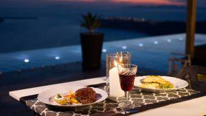 Le Moustache Restaurant Santorini 10