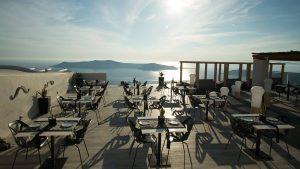 Le Moustache Restaurant Santorini 7
